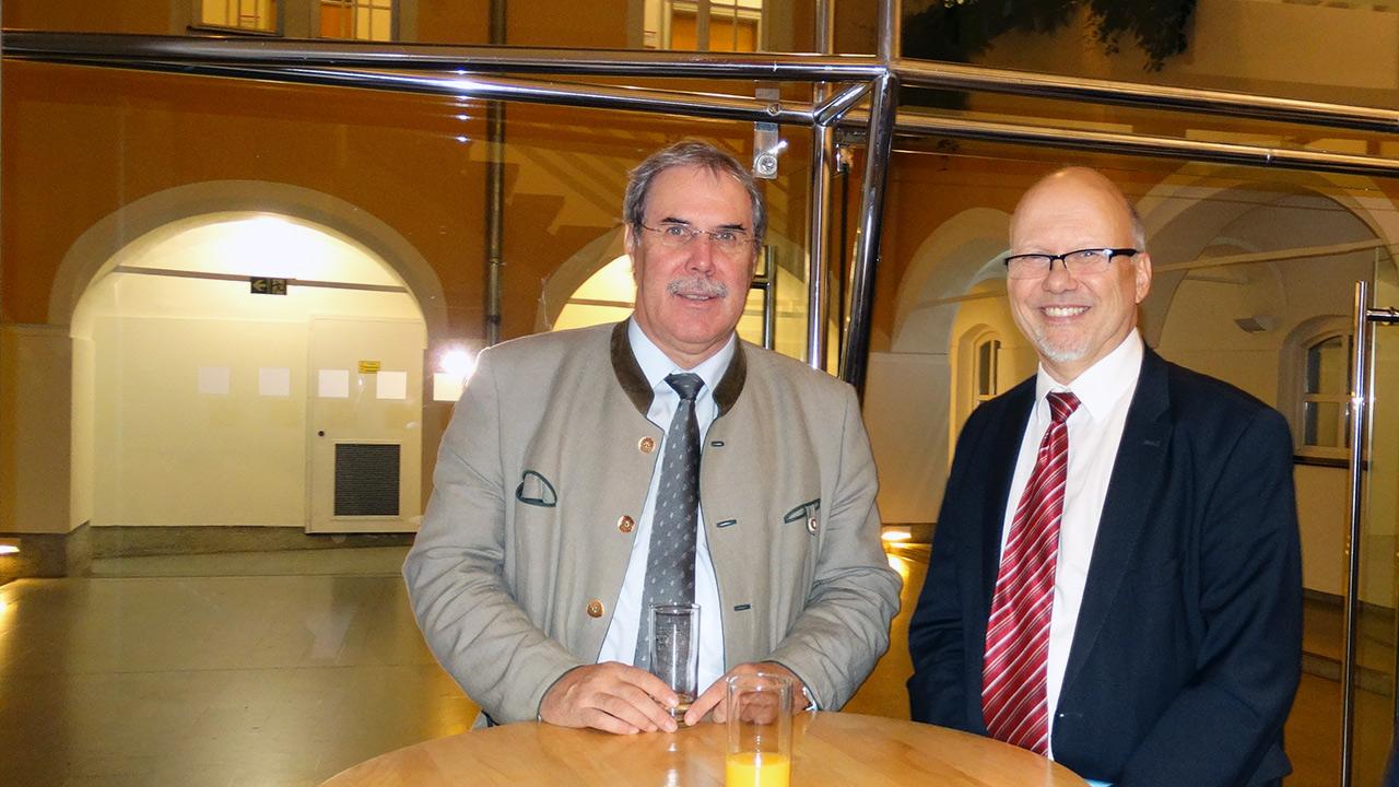 v.l.n.r. DI Anton Aldrian (Dir. HBLA Bruck Forstschule), Michael Kornhäusel (Business Doctors)