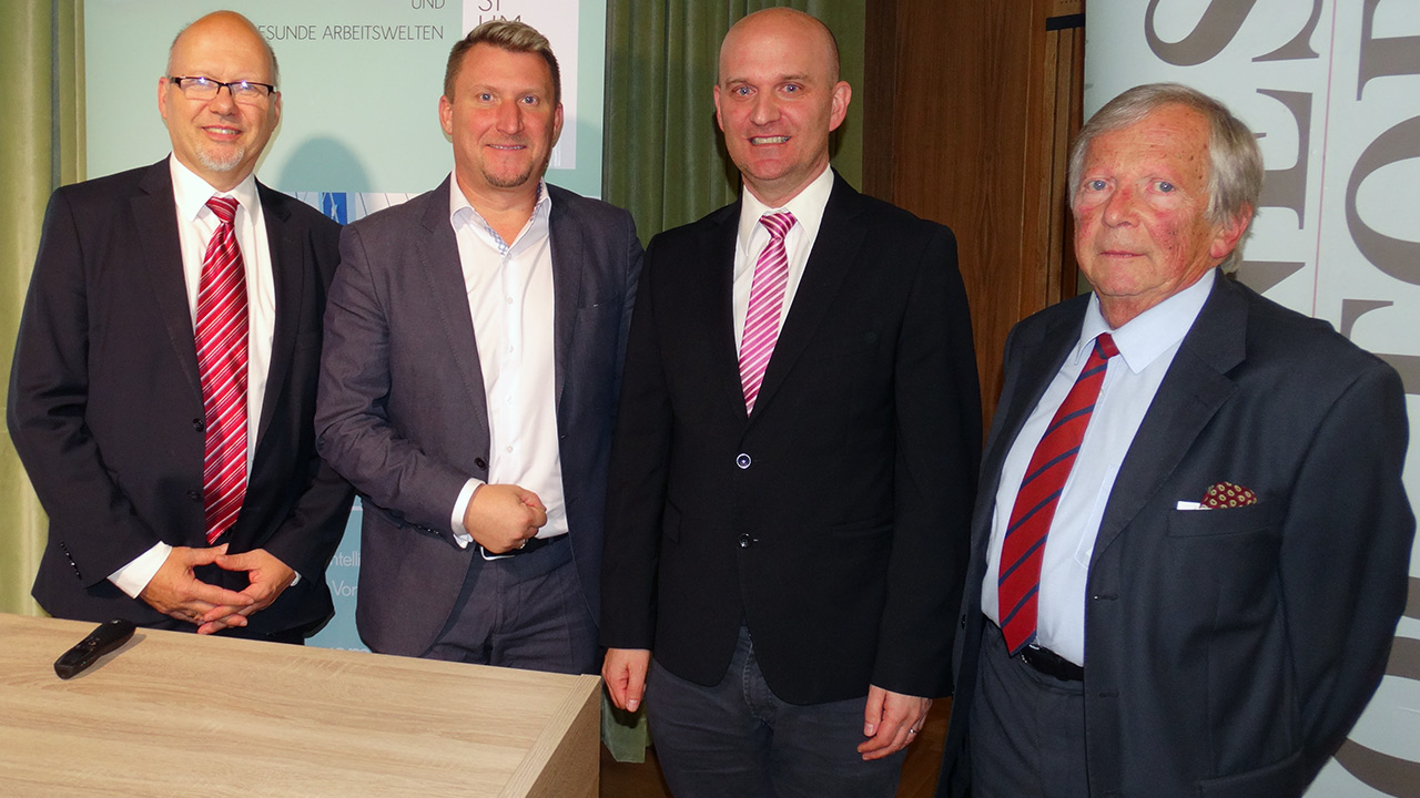 v.l.n.r.: Michael Kornhäusel (Business Doctors), Alexander Lerch, MBA CEO Famel GmbH - Almondo, Gerhard Lechner, MMag. Dr.(FH) Senior Lecturer FH JOANNEUM, F.K. Daublebsky (Business Doctors)