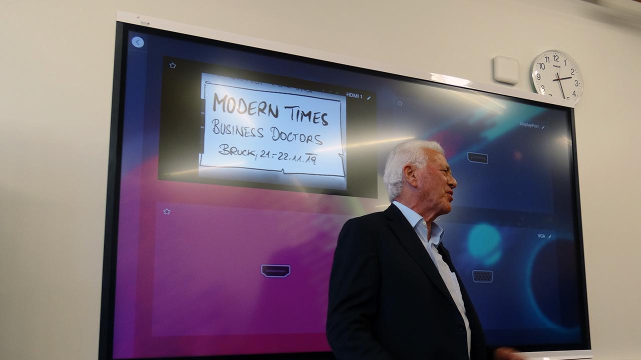 Stargast Frank Stronach auf dem 7. Symposium der Business Doctors in Bruck an der Mur