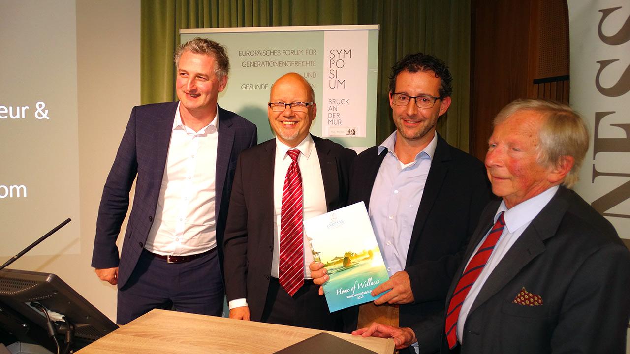 v.l.n.r.: Mag. Theodor Zus, Michael Kornhäusel (Business Doctors), Preisträger Herwig Kahler, F.K. Daublebsky (Business Doctors)
